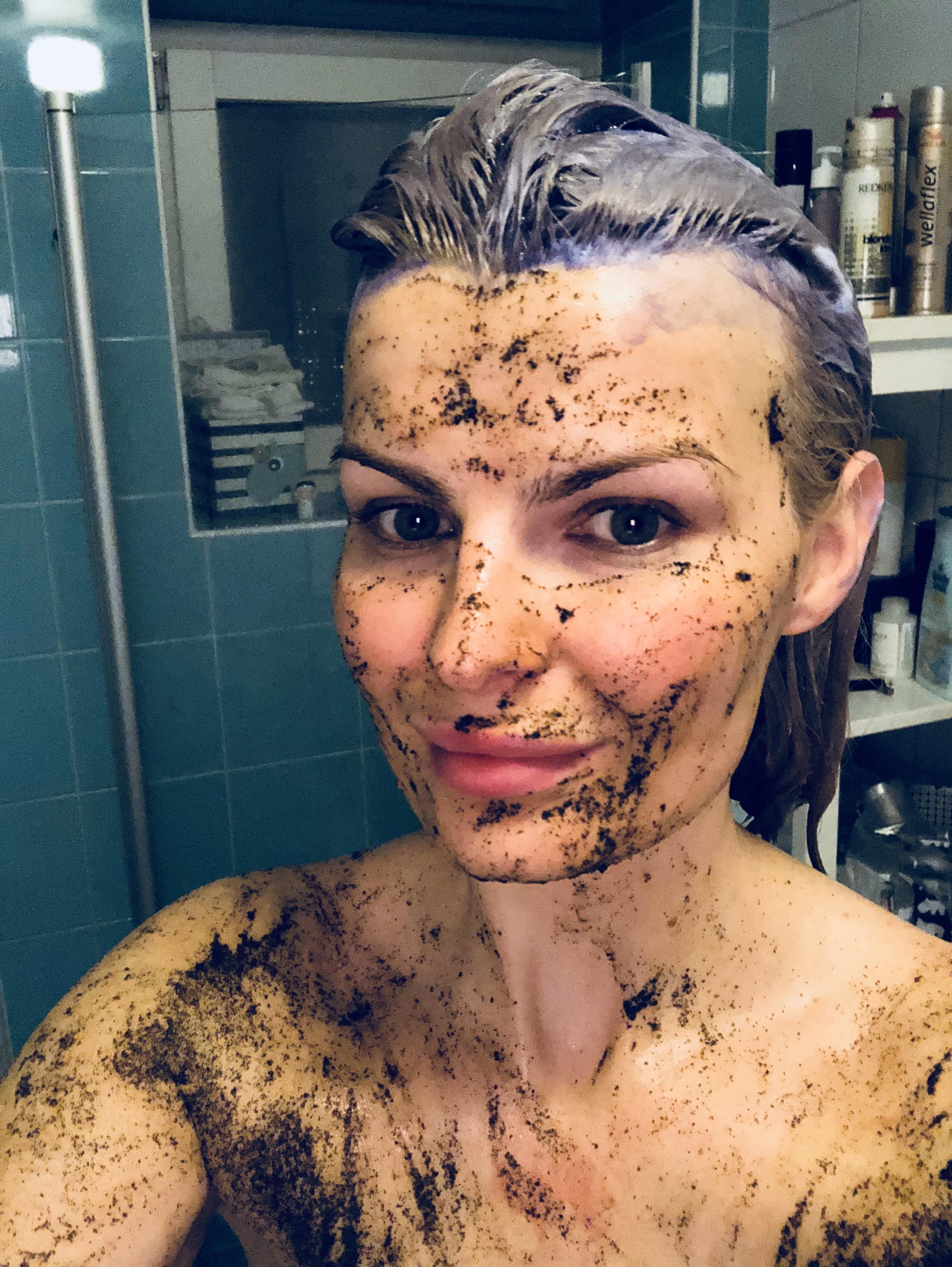 Örtte Natural body scrub mot torr hud