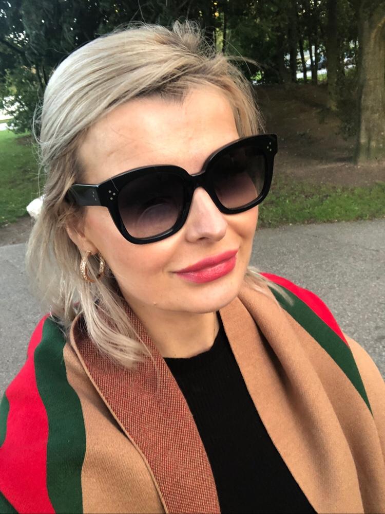 Celine Audrey Solglasögonen heter numera ...