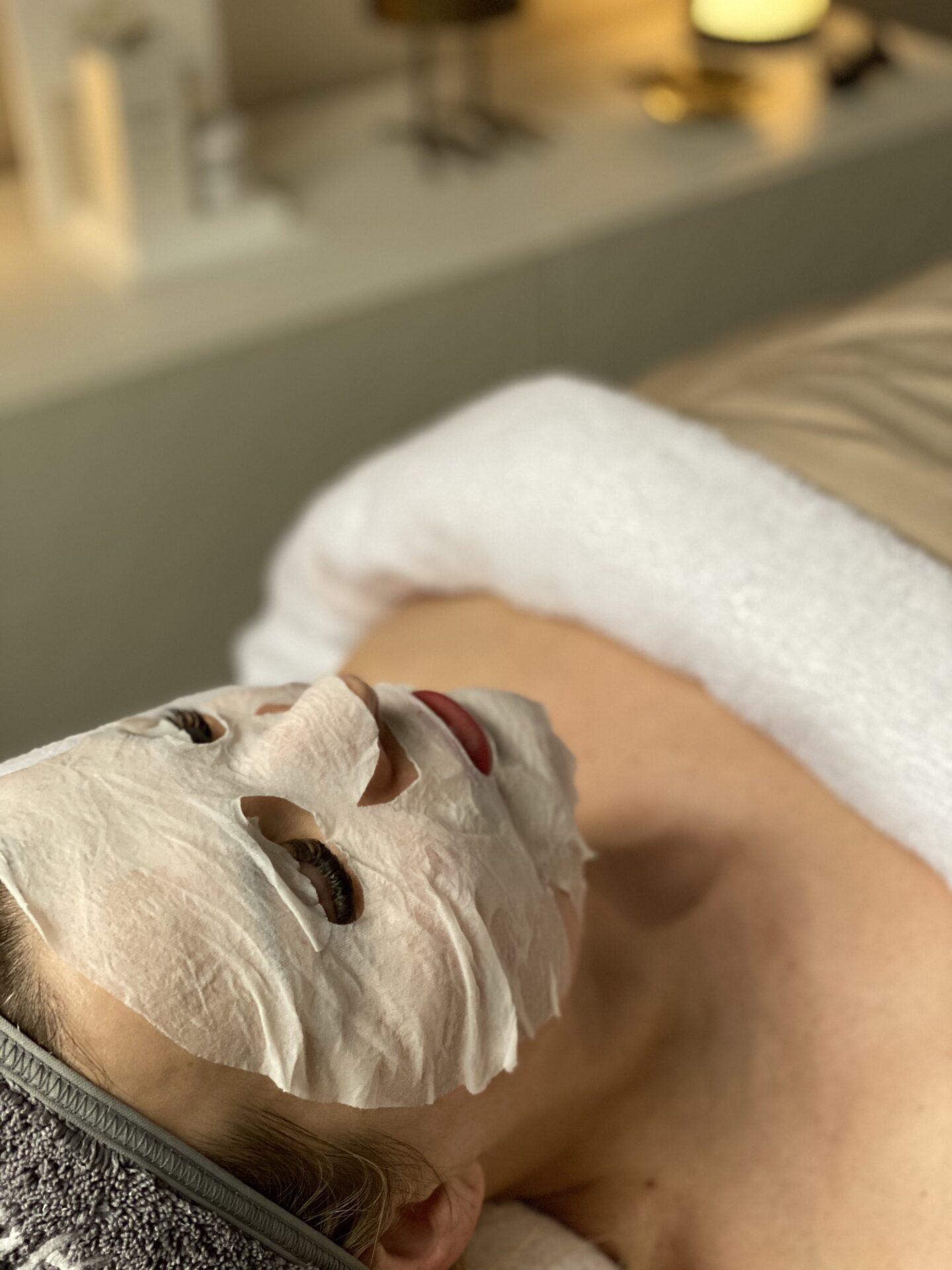 Diamond Cocoon Experience ansiktsbehandling hos Kräm Hudvårdsstudio 