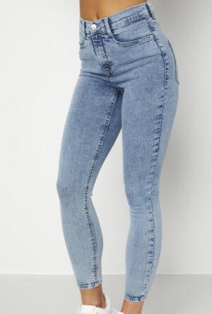 Ljusblåa favorit jeans